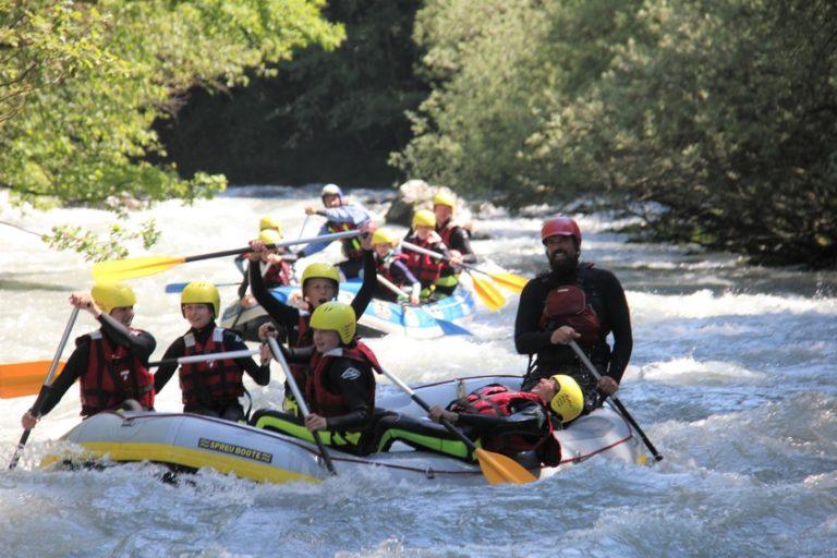 De l'amusement pour tout le monde en canoé sur l'Isère en Savoie