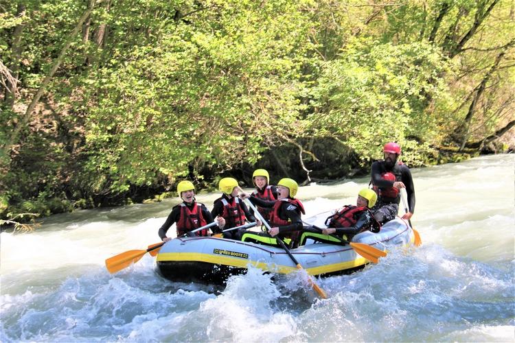 Rafting initiation sur l'Isère à Bourg-Saint-Maurice en Savoie - du fun pour tout le monde!